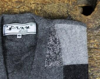 Geometric Patterned Gray Cardigan // 100% Alpaca Sweater // Size 40