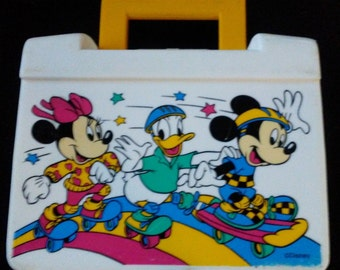 Vintage 1980's Disney MINNIE,DONALD and MICKEY Plastic Lunch Box!!! Nice Hard to Find Item!!