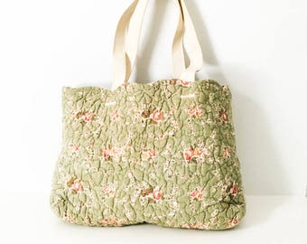 Floral tote bag - Quilted fabric tote bag - Shabby floral tote - Floral market bag - Floral top handle bag - Green floral tote bag