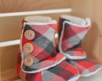 Handmade baby boots with fleece lining and non-slip sole