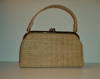 1950's handbag// Mod minimalist Mad Men granny vintage top handle basket grass cream purse