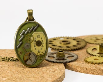 """Pendant """"tick-tock"""" khaki green upcycled with machinery of watches"""