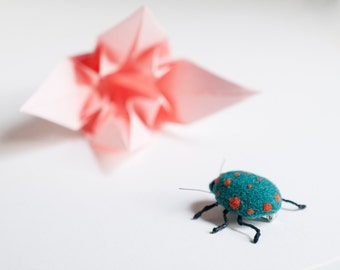 Bedbug brooch