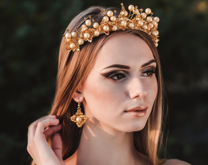 Gold Bohemian Rustic Wedding bridal crown pearl milk tiara and earrings Headpiece Christmas Crown Headband Boho Wedding Queen Crown golden