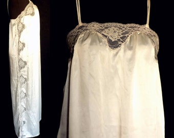 Vintage Long Nightgown by Bert Yelin for Iris, 1970s Ivory Lace, Size Small, Medium, Large