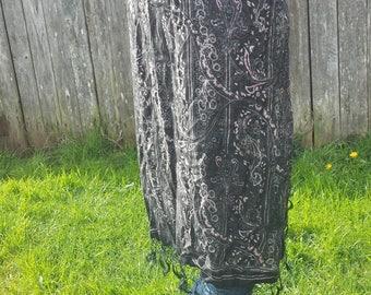 Black paisley pattern reversible shawl/paisley shawl/hippy shawl/costume wear/wraps/paisley pattern wrap