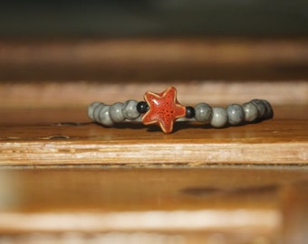 Black and gray red star fish bracelet
