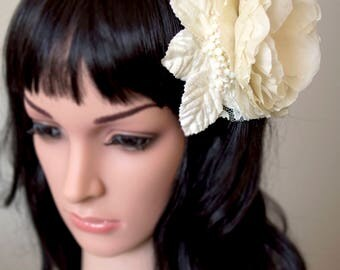 Silk flower fascinator | ivory fascinator | bridal fascinator | wedding fascinator