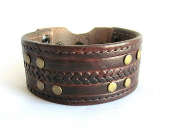 Mens leather cuff bracelet, brown leather bracelet, embossed leather cuff, riveted leather bracelet, leather cuff bracelet, italian jewelry