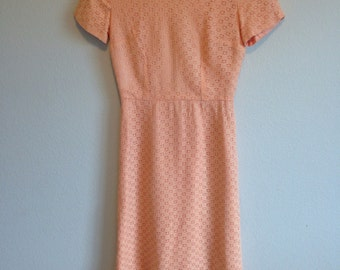 Vintage peach lace xs small knee-length dress