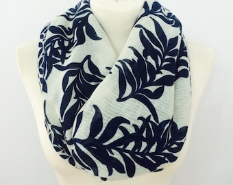 Leaf infinity scarf, chunky scarf, womens scarf, cowl scarf, winter scarf, loop scarf, circle scarf, scarves, flower print infinity scarf