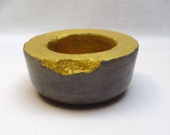 Black concrete shell / modern character / concrete black gold