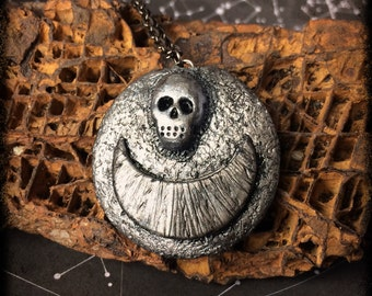 handmade skull moon crescent pendant dark goth witch pirate steampunk