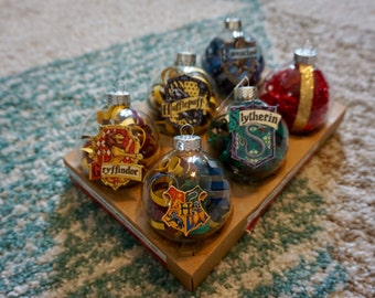 Harry Potter Christmas Ornament Set Hogwarts House Crests and Remembrall