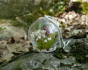 "Pendant ""TAMESIS"" with real Flowers, Terrarium Pendant, Real Moss, Flower Necklace, Terrarium Jewelry, Purple Flowers"