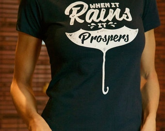 Premium 100% Organic Cotton T-shirt - When it rains it prospers - When it rains it prospers - DARK BLUE