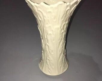 """Lenox Woodland Collection 8"""" Ivory Vase"""