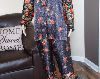 Beautiful chinese inspire Vintage 90s pajamas set size medium