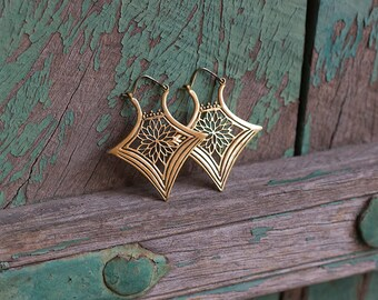 Earrings Brass Flower Triangle / Boucles d'oreilles Fleur Triangle en Laiton