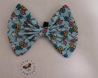 Springs Here! Dog Bowtie