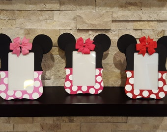 Minnie Mouse Photo Frame - 4x6 Minnie Mouse Picture Frame - Minnie Mouse Birthday Party - Minnie Mouse Photo Prop - Mickey Mouse - Scalloped