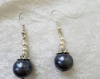 The Black Pearl Earrings, Silver Earrings, Pearl Drop Earrings, Simple Earrings, Silver Pearl Earrings, Classic Earrings, Minimalist Earring