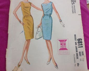 McCalls 6811 - Size 12 Bust 32 - Vintage Womens Dress Pattern - 1960s Sewing