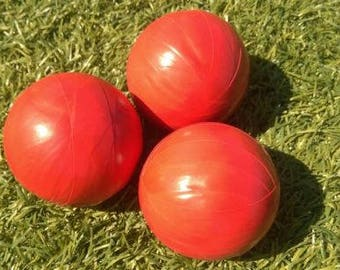 Three well made professional juggling balls 120g each, red