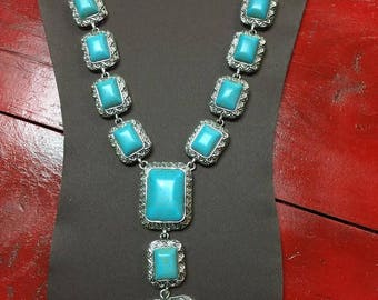 Stunning Turquoise necklace and earring set