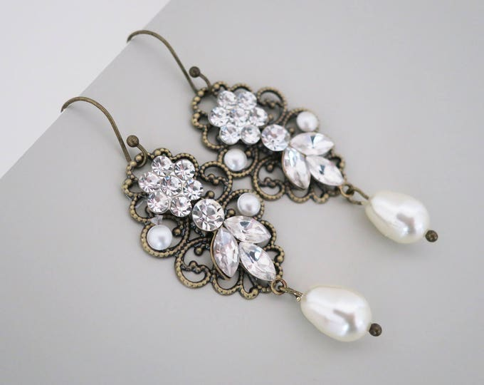 Pearl Crystal Earrings Antique Gold Bridal Earrings Wedding Jewelry Vintage Style Earrings Bridesmaid Earrings Swarovski Drop Pearl Flower