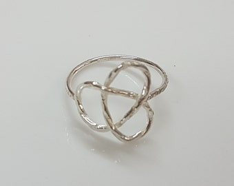 Silver trinity knot ring, celtic triquetra ring, Irish ring, celtic jewelry