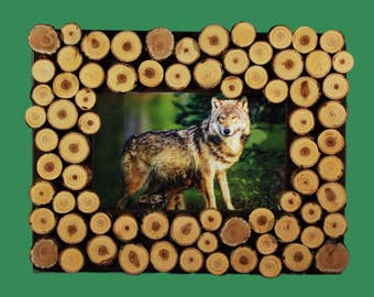 Wood Slice Frame With 3-D Wolf Photo