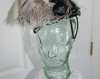Vintage 1930's Tilt Toy Ostrich Feather Womans Hat