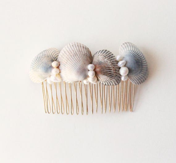 Shell hair comb, Simple beach wedding accessory, Bridal hair, Bridal hair comb, Beach wedding hair comb, Freshwater pearls and shells
