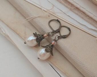 Pearl and petal earrings