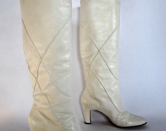 vintage 1970s 1980s eggshell WHITE leather go GO boots heels pull on calf knee womens 7 7 1/2 N narrow runaways U S A debbie harry CHIC