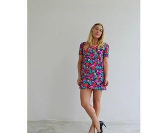 1960s Bold Flower Mini Dress /// Size Small to Medium