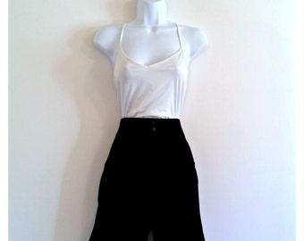 353 - Vintage 80s High Waist Shorts - Size M