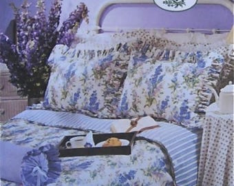 Laura Ashley BEDROOM Sewing Pattern - Shabby Chic Style Reversible Duvet Cover Pillow Shams Pillows