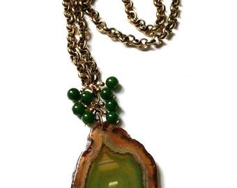 Semi precious Agate Slice on gold tone chain with vintage jade pendant necklace