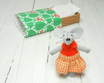 Miniature felt orange mouse baby welcoming gift for girl tiny art matchbox handmade pocket mouse BJD Pukifee Blythe dollhouse plushie mouse