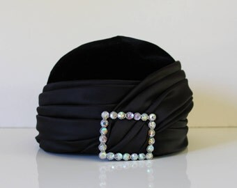 VINTAGE womens pillbox hat / 40s style / 40s hat / gastby style / gastby party / vintage hat / photshoot prop / flapper style / pillbox hat