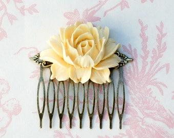 Rose Hair Comb, Big Rose Hair Comb, Ivory Rose, Beige Rose, Bridal Headpiece, Rose Hair Clip, Garden Wedding, Ivory Flower Hair Comb