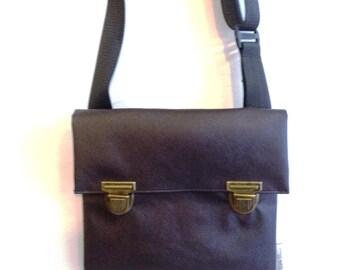 Dark Brown Vegan Messenger Bag, Bike Bag, Cross the body bag, Medium Size.