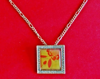 "Vintage gold tone 18"" necklace w  AVON signed 1.25"" floral cameo pendant/brooch  in great condition, appears unworn"