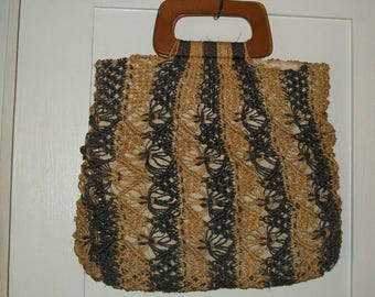 1990s Natural Woven Straw Large Tote Muslin Lined Wood Handles One Size Great Cond