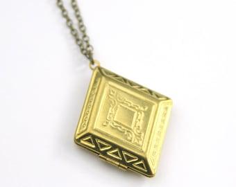 Vintage Locket Necklace | Brass Locket | Bridemaid Gifts | Bridesmaid Locket Necklaces