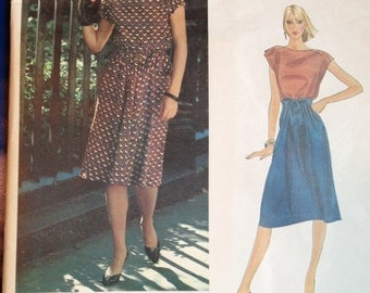 Vintage 80s  Vogue Pattern 2658 Bill Haire Top & Skirt 70s 1970s 34 bust Uncut FF 1980s 1981