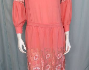 1920's peach silk Downton Abbey dress hand embroidered & Appliqued size Small
