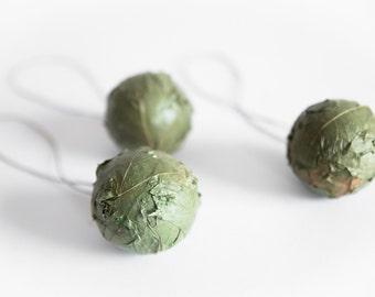 Christmas tree ornaments - Green Christmas balls - Natural Christmas ornaments - Rustic Christmas ornaments